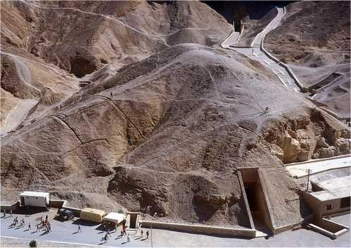 Sotto tumuli di sabbia nel deserto egiziano potrebbe nascondersiil sito delle misteriose piramidi perdute. L'archeologa amricanaAngela Micollo scorso anno ha individuatousando Google Earthdue aree lungo il bacino del Nilo, entrambe […]