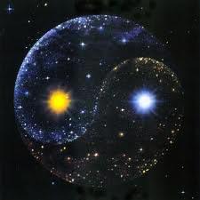 Molti esseri umani di culture e religioni diverse considerano, da secoli, il percorso essenziale della cosmogonia e la sintesi della teoria dell'esistenza umana, sulla base di convinzioni in parte poggianti […]