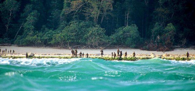 L'Isola di North Sentinel(inhindiउत्तर सेंटीनेल द्वीपUttar Senteenel dveep) è una delleisole Andamanenelgolfo del Bengala. L'isola si trova a ovest della parte meridionale delle Andamane del sud, ed è il territorio […]